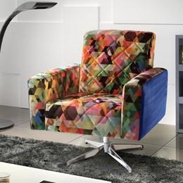 Poltrona Decorativa Confort Estampa Colorida com Pés Cromados - Leo Decor